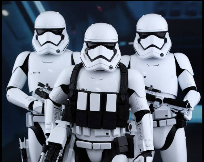 Hot-Toys-Stormtroopers-3-e1441301637631